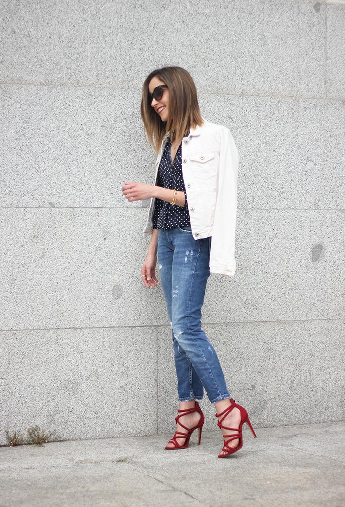 polka dots shirt jeans red sandals zara03