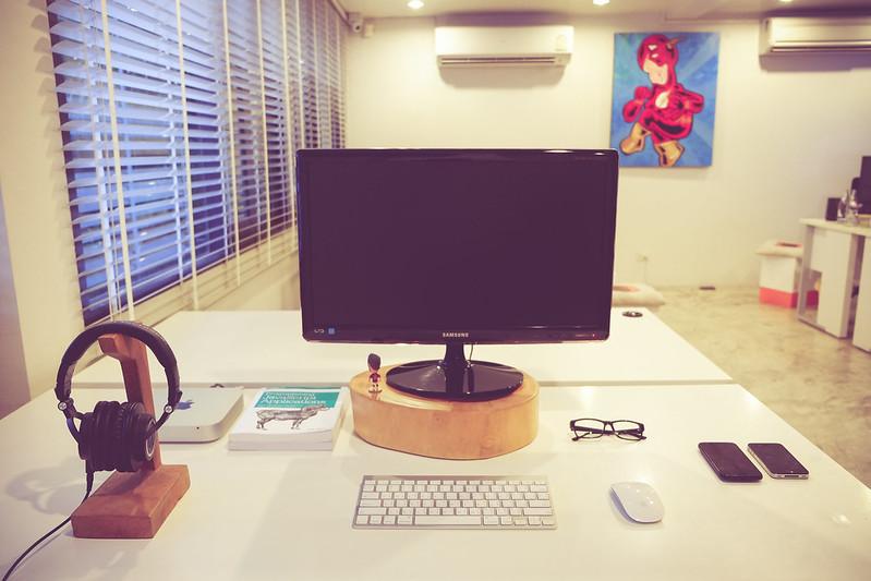 M50x บนโต๊ะทำงาน