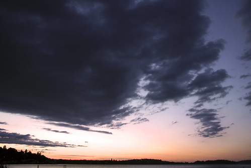 seattle pink sunset sky lake clouds lakewashington skyscapes seattlewa purpleclouds cloudbanks