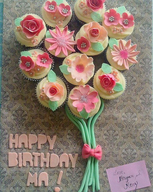 Cupcake Bouquet by Issa Luzada