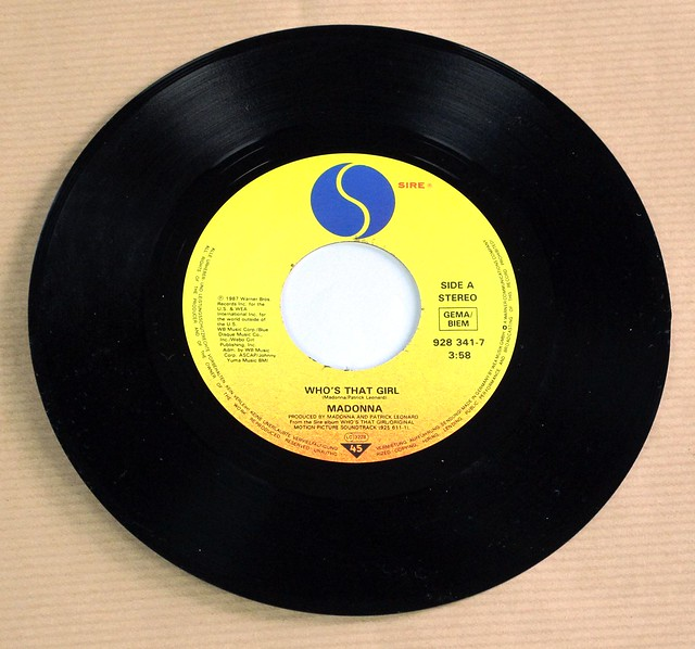 """MADONNA WHO'S THAT GIRL 7"""" 45RPM PS SINGLE VINYL"""