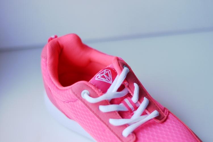 buty z diamentem