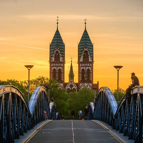 bridge sunset type pont temps allemagne eglise coucherdesoleil badenwürttemberg freiburgimbreisgau ouvrage religieu herzjesukirch
