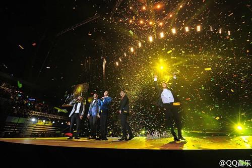 BIGBANG QQ Music Awards Shenzhen 2016-03-23 (12)