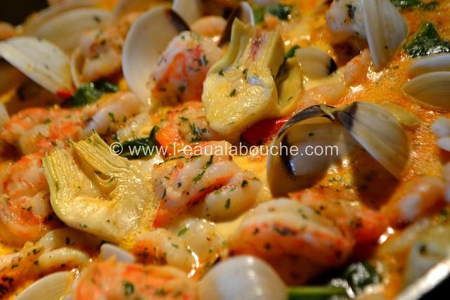 Cassolette de Crevettes et Coquillages ©  Ana Luthi Tous droits réservés 00004