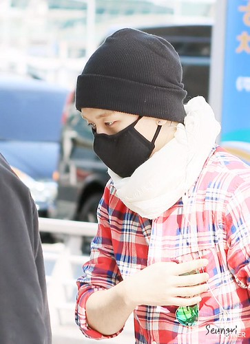 Big Bang - Incheon Airport - 01apr2015 - Seung Ri - Partnervi - 02