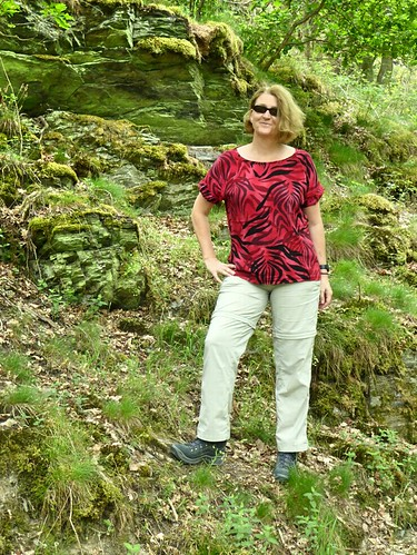 MMMAY day 25. Third day of hiking. Belcarra Blouse. First its warm and sunny, later cold and rainy.