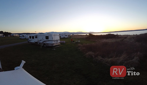 Sat, 03/07/2015 - 17:58 - Sunset from the roof of the RV. Watch video from this road trip bit.ly/rvwt-fort-flagler.
