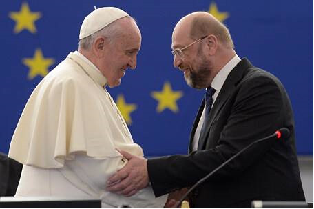 Pope  Charlemagne Prize with Schultz
