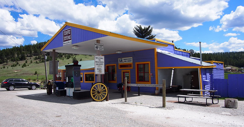 Wauconda Store: The store itself is shut down, with all sorts of old stuff just lying around inside.  All that was open was a post office in the back room, and it looked a lot like an old-fashioned bank teller kiosk.  I tried to get water here, even going so far as to try to wrench a hose faucet open, but had no luck.
