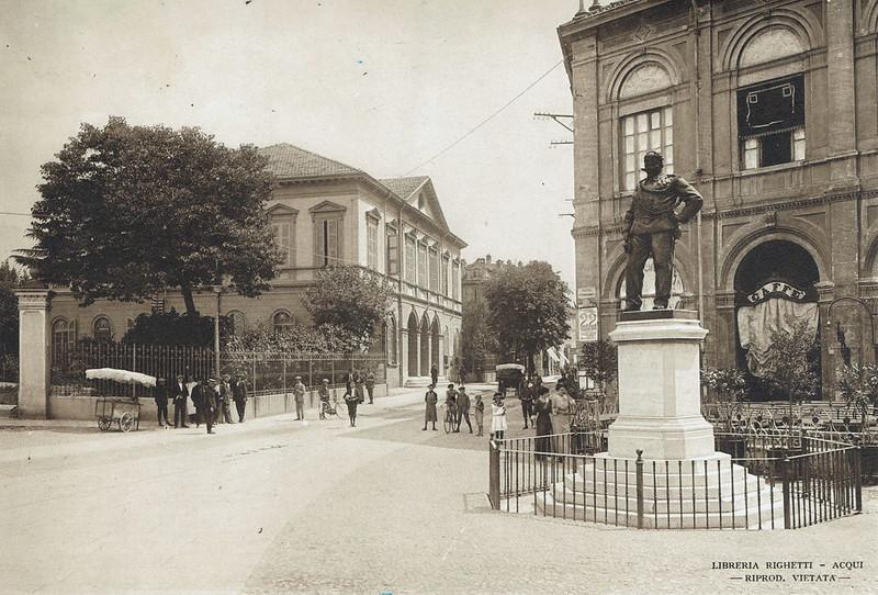 Piazza Vittorio Emanuele, Acqui e le sue Terme