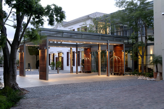 Front Entrance of the Vineyard Hotel