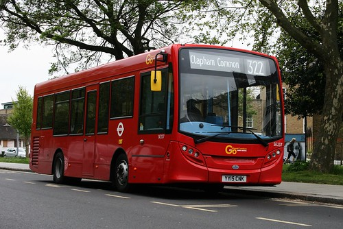 London General SE237 on Route 322, Clapham Common Old Town