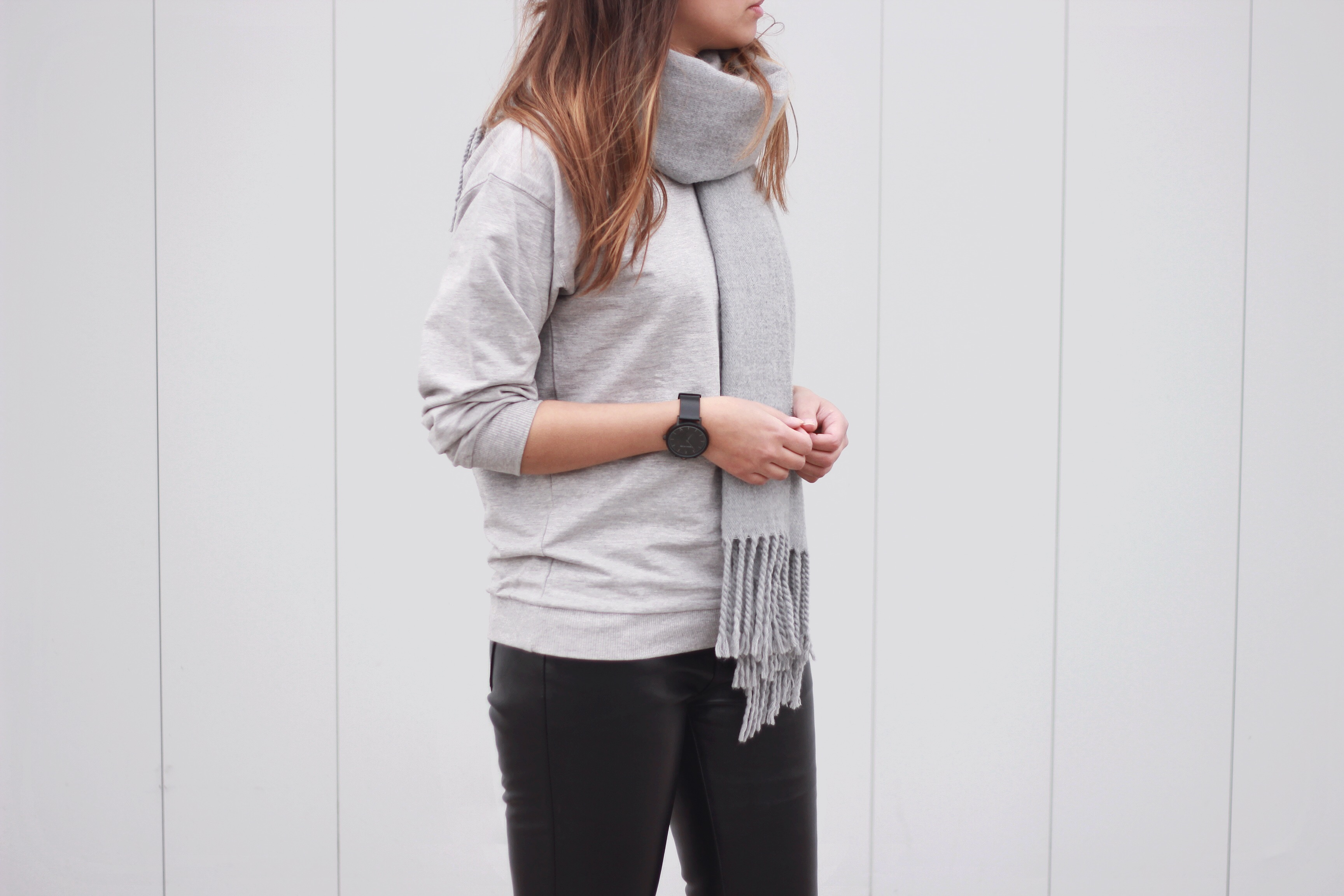Grey-on-grey-street-style-sweatshirt-scarf