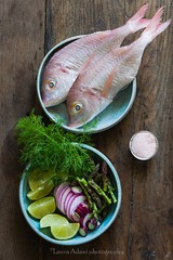 Fish in parchment with asparagous, spring onion an…