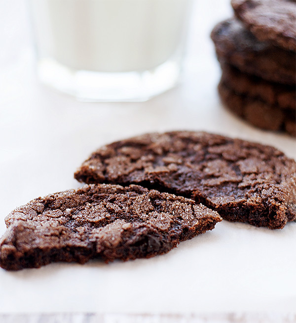 flourless fudge cookies | heathersfrenchpress.com