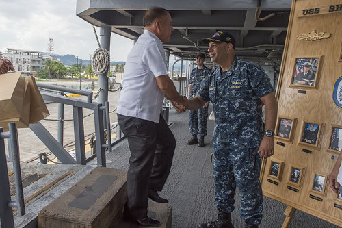 USS Shiloh Arrives in Subic Bay for a Port Visit