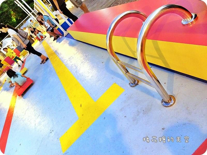 28608925496 339859d59b b - 《台中活動》2016綠圈圈~城市裡的彩色運動場外加超創意一定讓人邊打邊笑18洞高爾夫唷-勤美術館、快來打球場+米尼葛夫俱樂部
