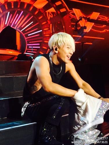 Taeyang-YoungChoiceAwards2014-Beijing-20141210_-16