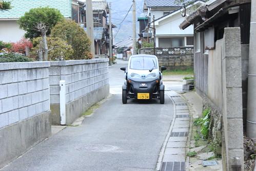 大分県姫島を走る日産の超小型電気自動車