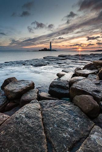lighthouse seascape sunrise landscape northumberland whitleybay northeastengland