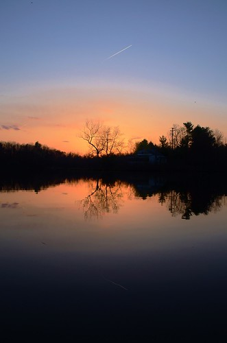 life sunset sun lake reflection tree water silhouette nikon day glow sunday end 5100 grennan d5100 reichards rwgrennan rgrennan