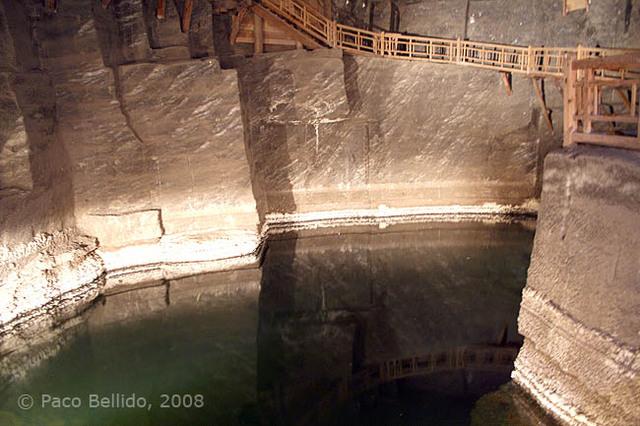 Un lago subterráneo. © Paco Bellido, 2008