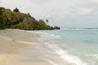 Hình ảnh của Anse Forbanse Các bãi biển với chiều dài 919 mét. sc seychelles mahe ansemarielouise