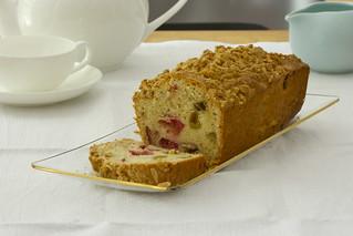 Rhubarb-almond-orange cake with streusel