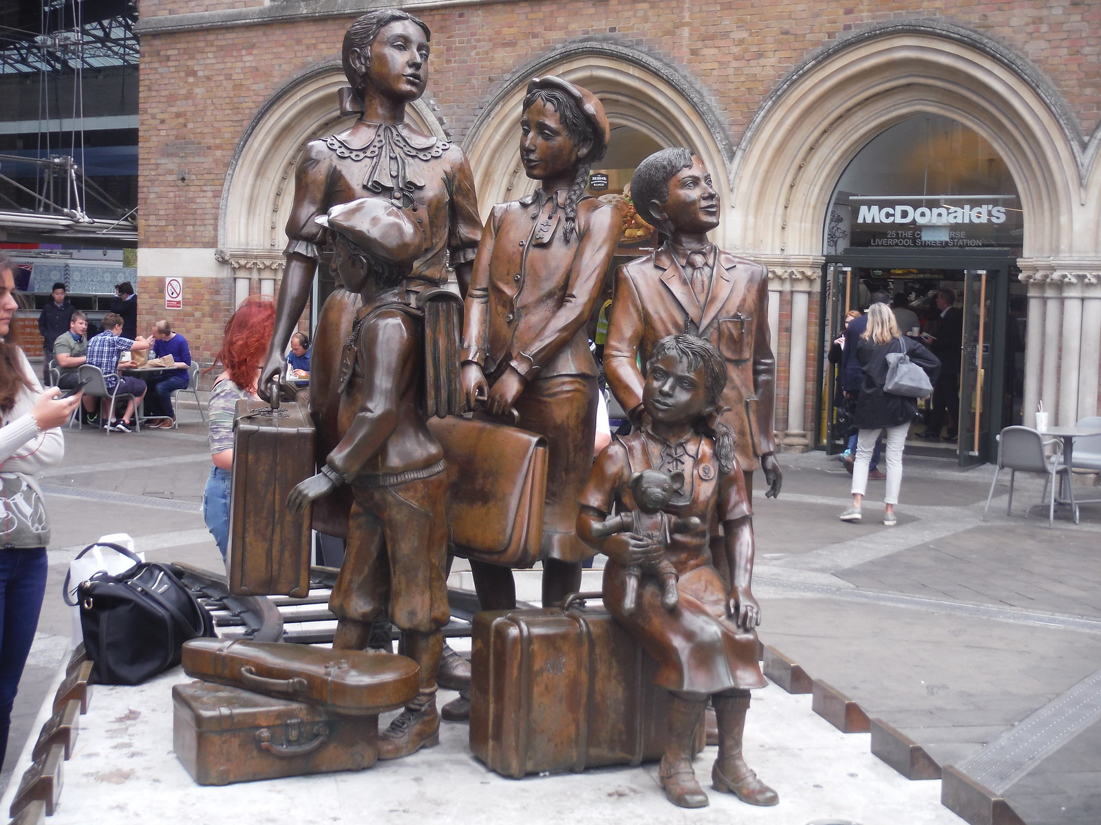 Kindertransport Memorial, Liverpool Street Station, Liverpool Street Exit: Start to the Walk SWC Walk Short 24 - Sculpture in the City