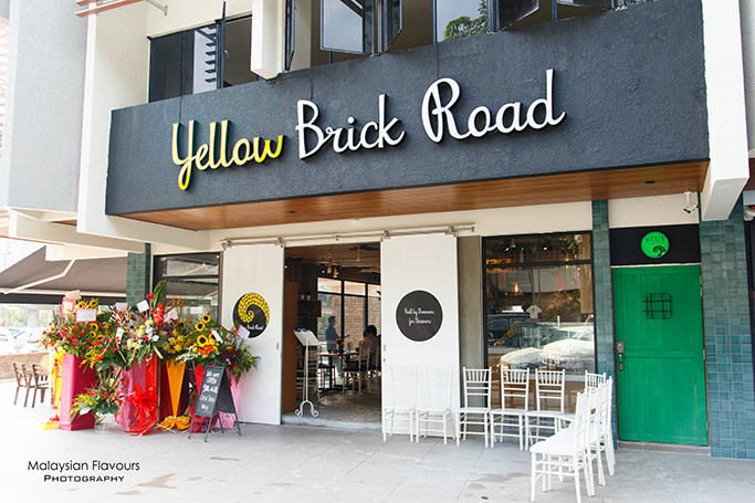 yellow-brick-road-batai-damansara-heights