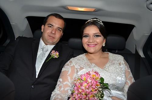 Os noivos Thiago Pereira Leal e Yasmin Miranda