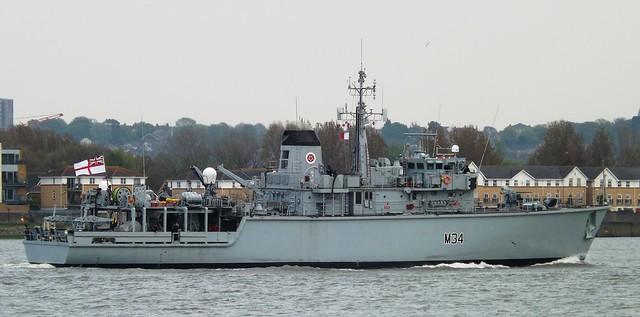 HMS Middleton M34 (10) @ Gallions Reach 24-04-15