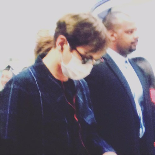 Big Bang - Newark Airport - 08oct2015 - Fan - 04