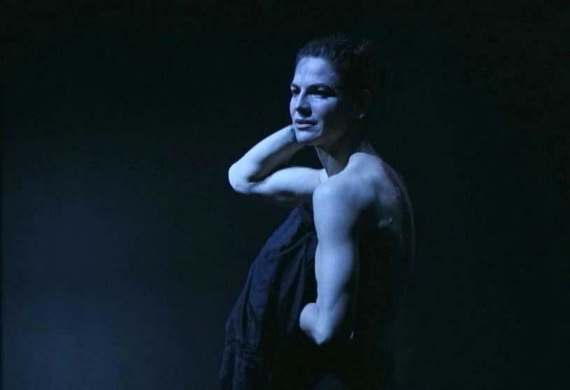 Bibiana Beglau als Mephisto