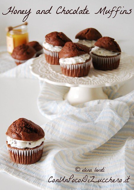 Muffins al miele e cioccolato ripieni di ricotta ai pistacchi - honey and chocolate muffins