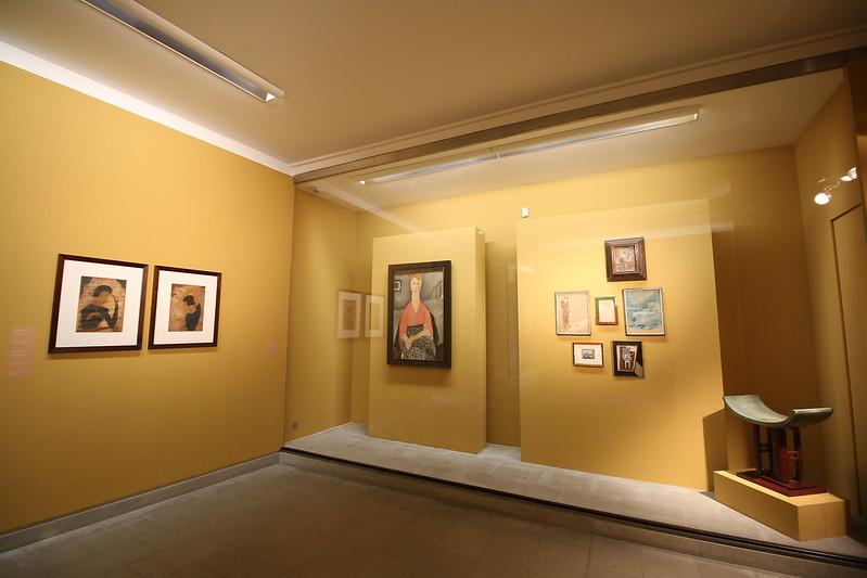 Provence cyling Avignon Angladon museum 1