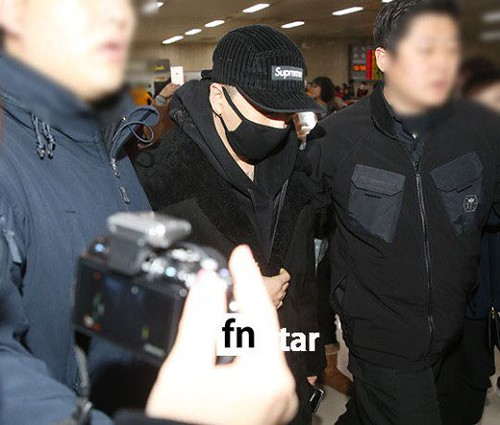 BIGBANG (wout Seungri) arrival Seoul Gimpo from Beijing 2016-01-02 (14)