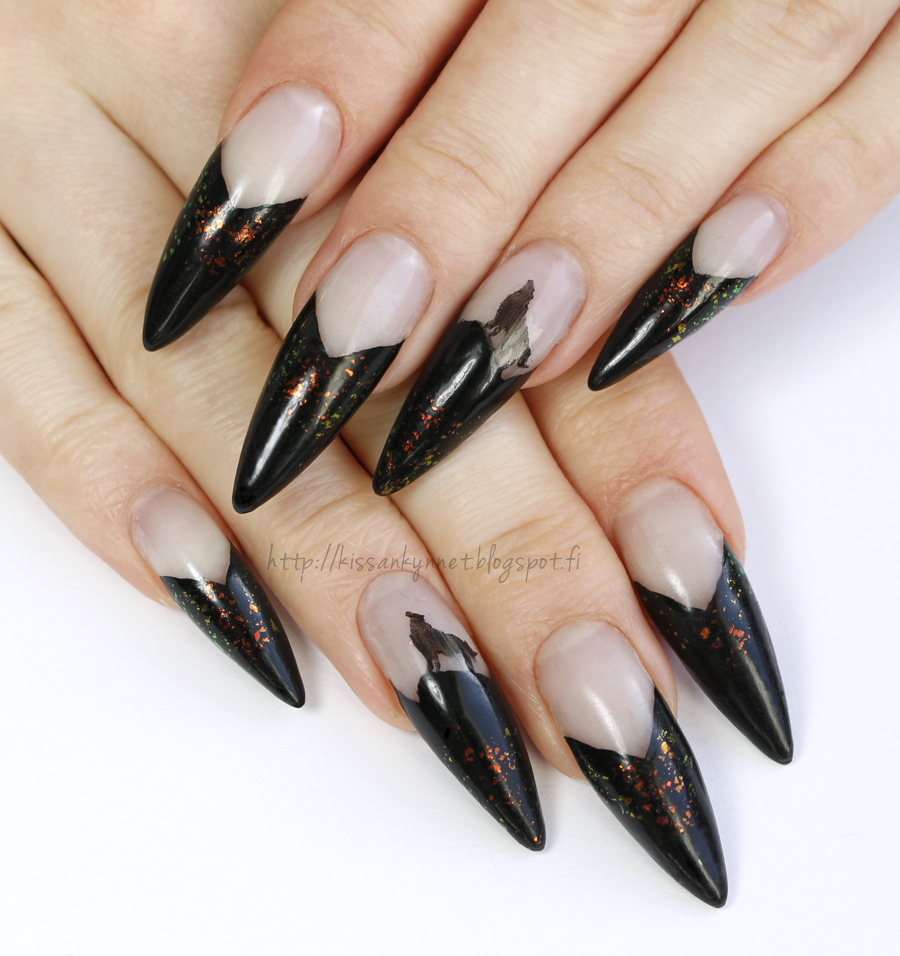 wolf_nails_2
