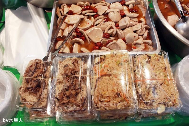 27987931910 5cdc1c394a b - 熱血採訪|台中西區【饎祕製古早味】向上市場熟食老攤,四神湯、什菜湯太讚啦!
