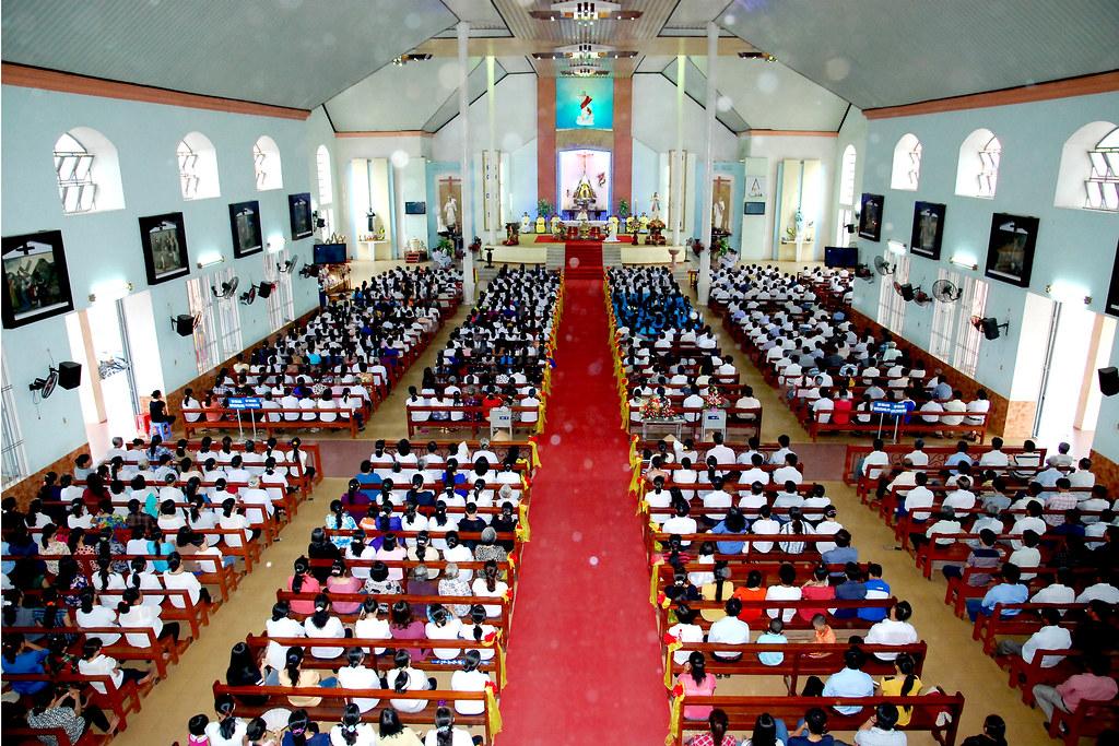 Thánh Lễ Lòng Chúa Thương Xót Tại Giáo Xứ Cao Xá – Gp. Phú Cường