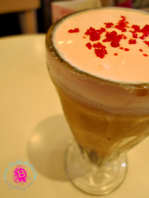 Strawberry JCC Milk Tea tokyo bubble tea