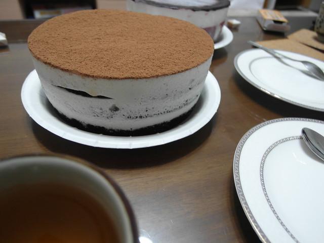 6吋提拉米蘇,拍到這裡我覺得這家的蛋糕都長好高!@三丁目洋果子