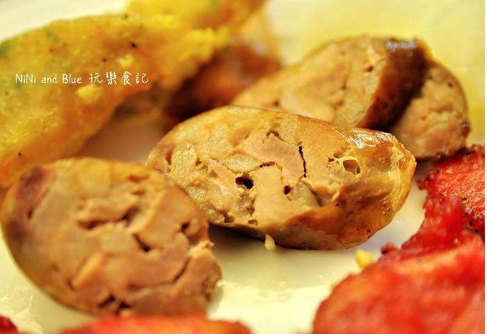 18116411681 9e6100ae1d b - 李蕃薯担仔麵,一碗台南担仔麵,傳承一世人的回憶,桂蒜香酥鴨,美味萬壽公園對面