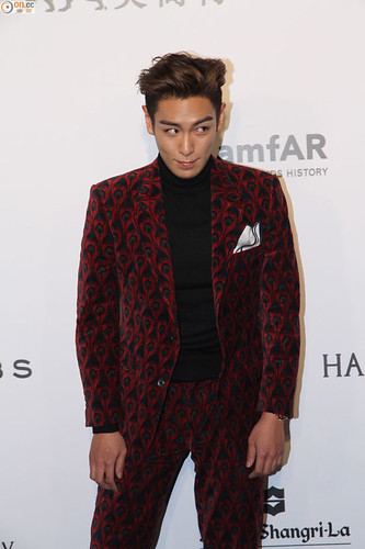 TOP - amfAR Charity Event - Red Carpet - 14mar2015 - on.cc - 04