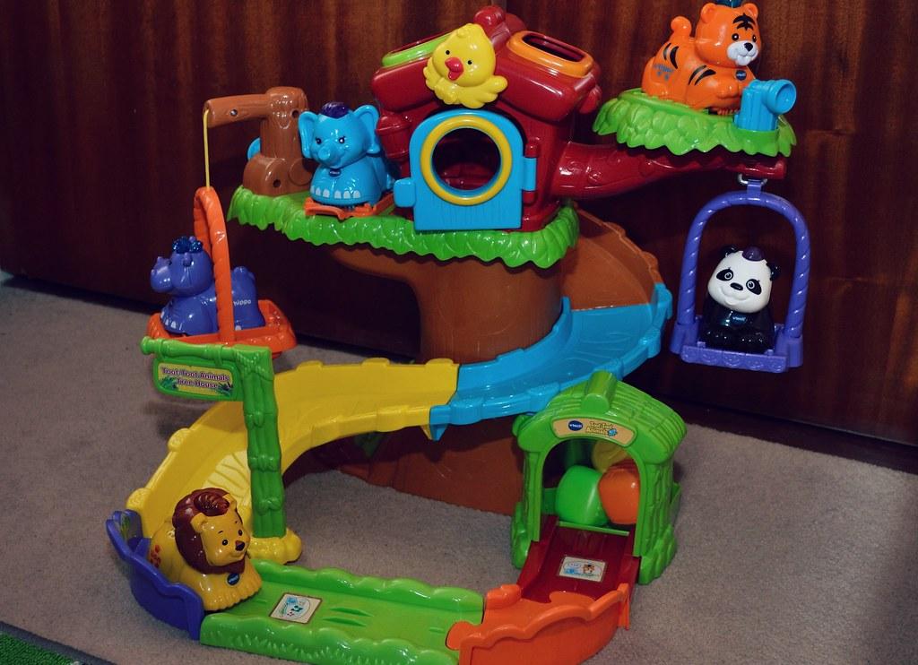 Review of Vtech Toot-toot Animals & Tree House.