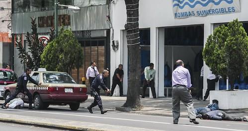 Marino abate a presunto asaltante en la colonia Doctores a media cuadra de la PGJDF