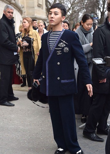 G-Dragon Chanel Haute Coutoure at Grand Palais Paris 2016-01-26 press 11