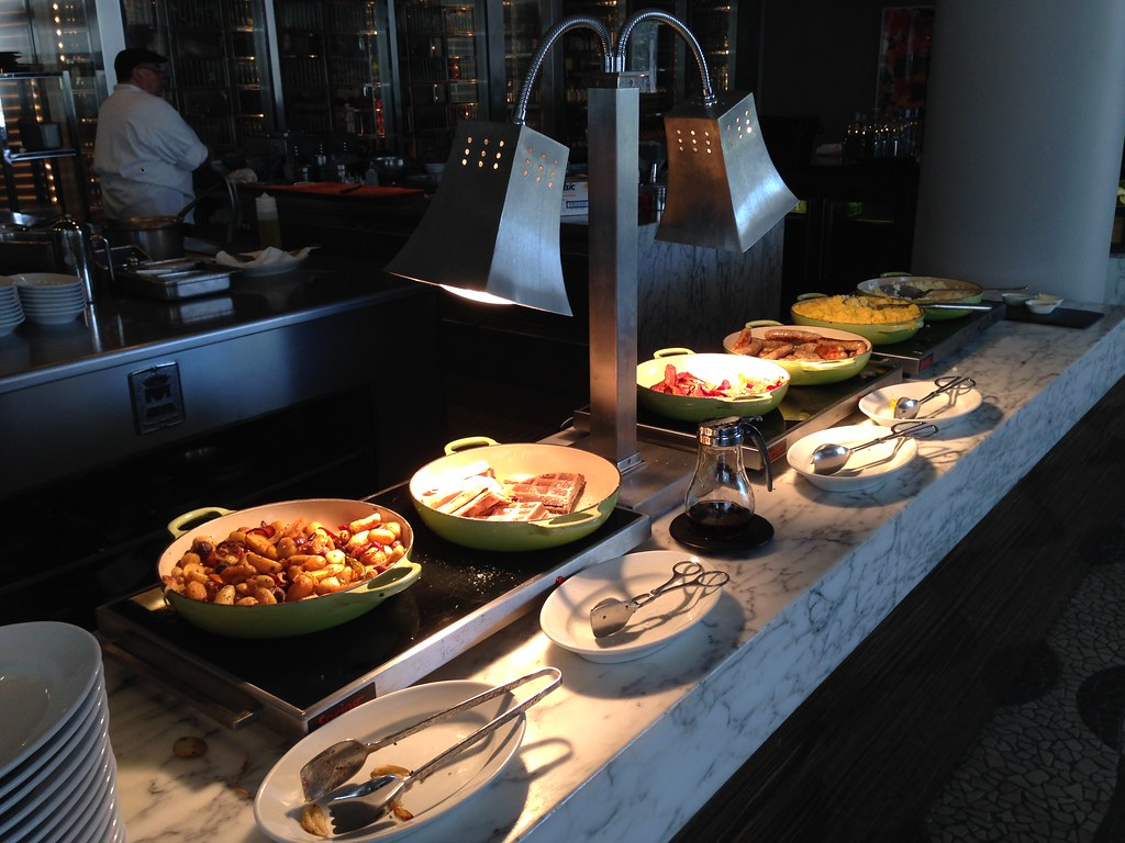 Hot dishes in the buffet