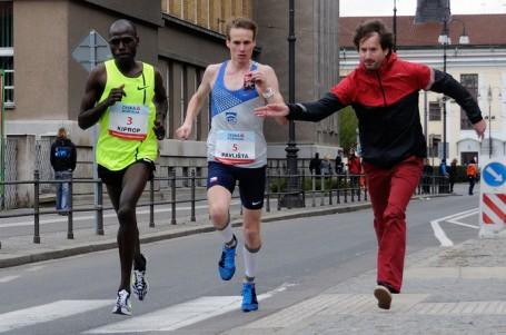 Pardubice korunovaly nové krále půlmaratonu: Pavlištu a Sekyrovou